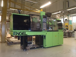 Engel 30ton locking force automatic injection moulding unit